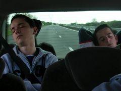 Ca dort à l'arrière