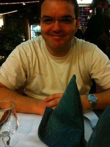 Après match à la Taverne, faudrait revoir la couleur des serviettes...