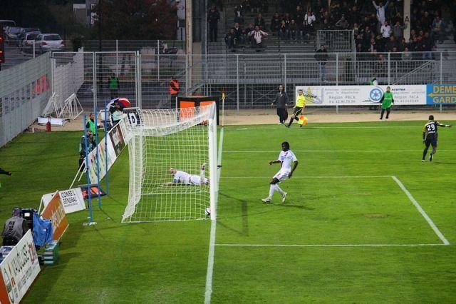 Ouverture du score pour Arles-Avignon...