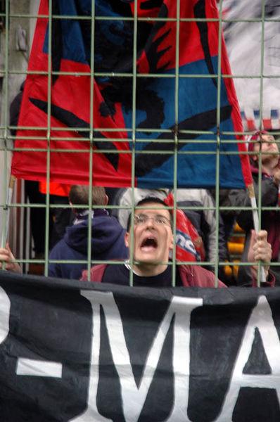 Un excité juste au début du match